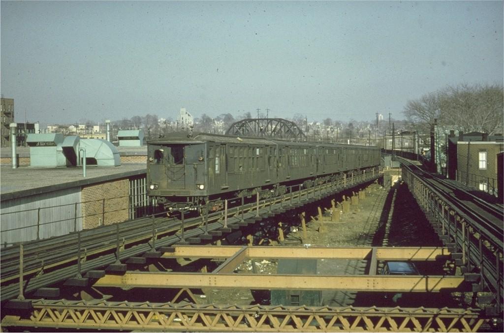 (189k, 1024x677)<br><b>Country:</b> United States<br><b>City:</b> New York<br><b>System:</b> New York City Transit<br><b>Line:</b> BMT Myrtle Avenue Line<br><b>Location:</b> Fresh Pond Road <br><b>Route:</b> MJ<br><b>Car:</b> BMT Q  <br><b>Collection of:</b> Joe Testagrose<br><b>Date:</b> 2/1968<br><b>Viewed (this week/total):</b> 0 / 2671
