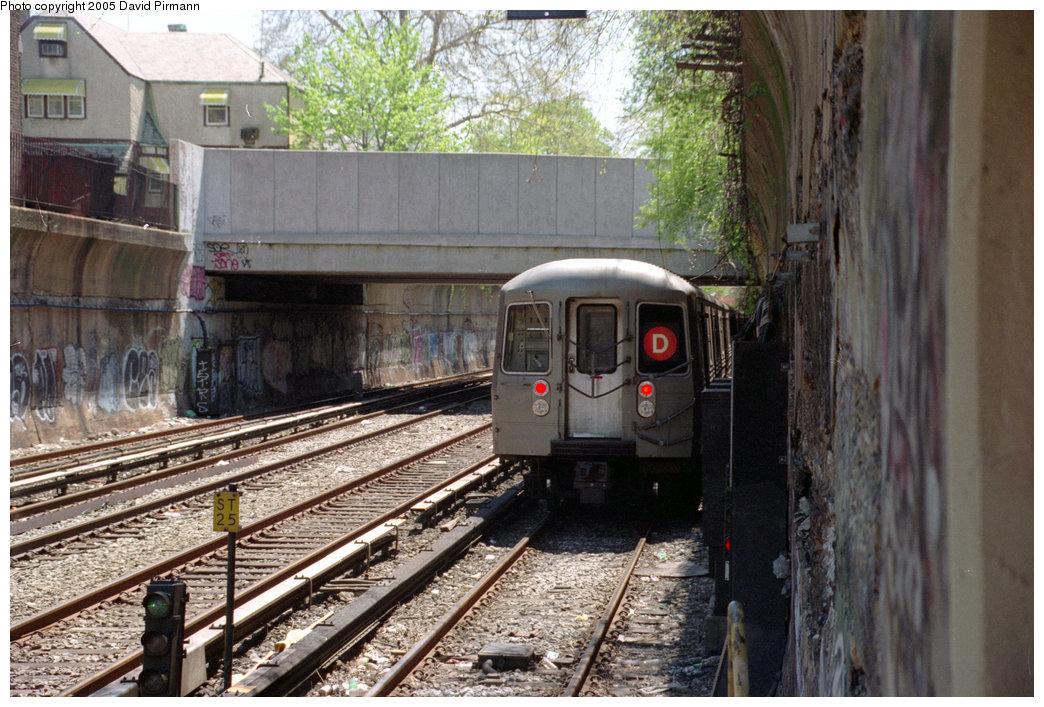 (266k, 1044x707)<br><b>Country:</b> United States<br><b>City:</b> New York<br><b>System:</b> New York City Transit<br><b>Line:</b> BMT Brighton Line<br><b>Location:</b> Cortelyou Road <br><b>Route:</b> D<br><b>Car:</b> R-68/R-68A Series (Number Unknown)  <br><b>Photo by:</b> David Pirmann<br><b>Date:</b> 4/26/1997<br><b>Viewed (this week/total):</b> 0 / 3375