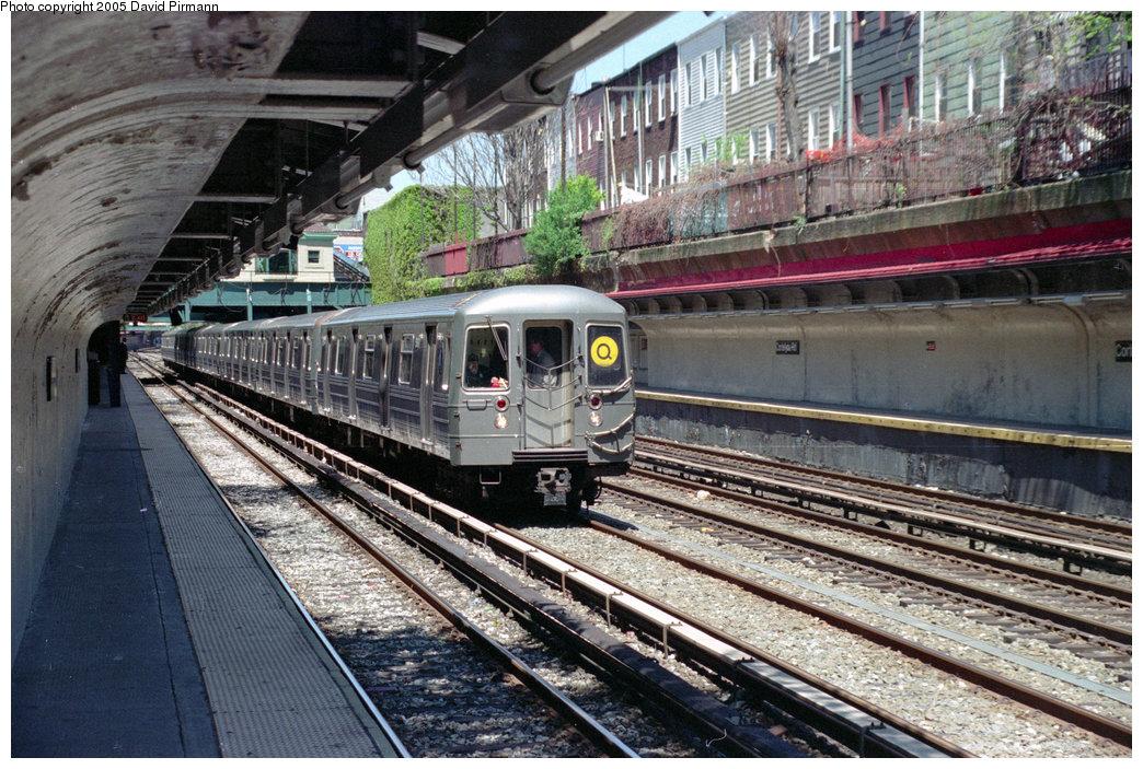 (299k, 1044x703)<br><b>Country:</b> United States<br><b>City:</b> New York<br><b>System:</b> New York City Transit<br><b>Line:</b> BMT Brighton Line<br><b>Location:</b> Cortelyou Road <br><b>Route:</b> Q<br><b>Car:</b> R-68A (Kawasaki, 1988-1989)  5161 <br><b>Photo by:</b> David Pirmann<br><b>Date:</b> 4/26/1997<br><b>Viewed (this week/total):</b> 0 / 4292