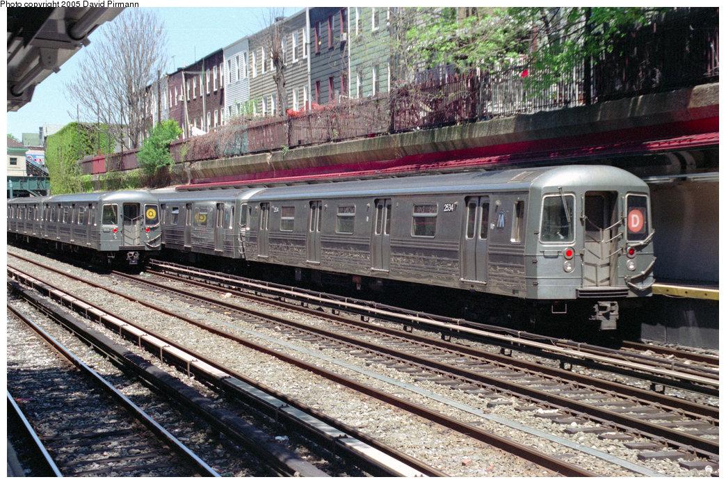 (319k, 1044x696)<br><b>Country:</b> United States<br><b>City:</b> New York<br><b>System:</b> New York City Transit<br><b>Line:</b> BMT Brighton Line<br><b>Location:</b> Cortelyou Road <br><b>Route:</b> D<br><b>Car:</b> R-68 (Westinghouse-Amrail, 1986-1988)  2534 <br><b>Photo by:</b> David Pirmann<br><b>Date:</b> 4/26/1997<br><b>Viewed (this week/total):</b> 0 / 4957