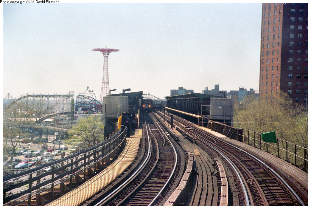 (276k, 1044x701)<br><b>Country:</b> United States<br><b>City:</b> New York<br><b>System:</b> New York City Transit<br><b>Line:</b> BMT Brighton Line<br><b>Location:</b> West 8th Street <br><b>Photo by:</b> David Pirmann<br><b>Date:</b> 4/26/1997<br><b>Viewed (this week/total):</b> 0 / 2576
