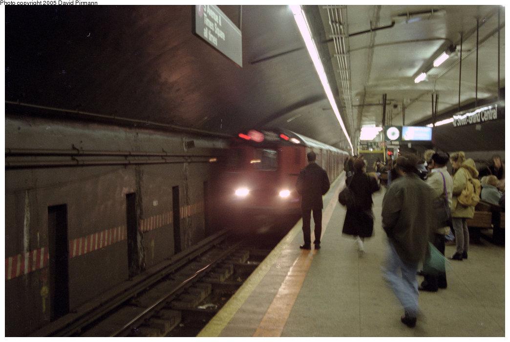 (145k, 1044x699)<br><b>Country:</b> United States<br><b>City:</b> New York<br><b>System:</b> New York City Transit<br><b>Line:</b> IRT Flushing Line<br><b>Location:</b> Grand Central <br><b>Route:</b> 7<br><b>Car:</b> R-36 World's Fair (St. Louis, 1963-64)  <br><b>Photo by:</b> David Pirmann<br><b>Date:</b> 12/16/1995<br><b>Viewed (this week/total):</b> 3 / 4262