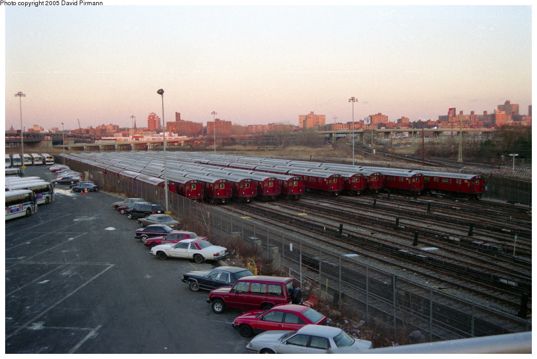 (192k, 1044x699)<br><b>Country:</b> United States<br><b>City:</b> New York<br><b>System:</b> New York City Transit<br><b>Location:</b> Corona Yard<br><b>Photo by:</b> David Pirmann<br><b>Date:</b> 12/16/1995<br><b>Viewed (this week/total):</b> 1 / 1982