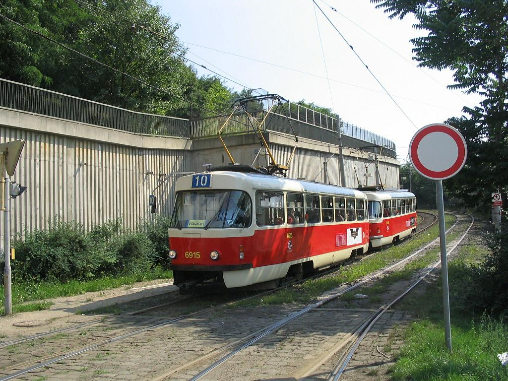 (197k, 1024x768)<br><b>Country:</b> Czech Republic<br><b>City:</b> Prague<br><b>System:</b> DPP (Dopravni podnik Prahy)<br><b>Location:</b> Sokolovska <br><b>Route:</b> 10<br><b>Car:</b> Tatra T3  6195+6901 <br><b>Photo by:</b> Jos Straathof<br><b>Date:</b> 7/15/2005<br><b>Viewed (this week/total):</b> 0 / 1050