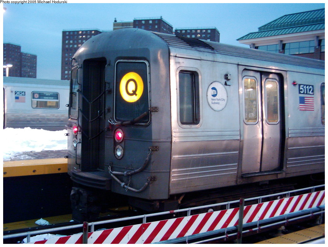 (190k, 1044x788)<br><b>Country:</b> United States<br><b>City:</b> New York<br><b>System:</b> New York City Transit<br><b>Location:</b> Coney Island/Stillwell Avenue<br><b>Route:</b> Q<br><b>Car:</b> R-68A (Kawasaki, 1988-1989)  5112 <br><b>Photo by:</b> Michael Hodurski<br><b>Date:</b> 1/2005<br><b>Viewed (this week/total):</b> 0 / 2657