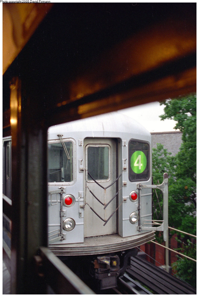 (208k, 790x1177)<br><b>Country:</b> United States<br><b>City:</b> New York<br><b>System:</b> New York City Transit<br><b>Line:</b> IRT Woodlawn Line<br><b>Location:</b> Bedford Park Boulevard <br><b>Route:</b> 4<br><b>Car:</b> R-62 (Kawasaki, 1983-1985)   <br><b>Photo by:</b> David Pirmann<br><b>Date:</b> 9/8/1996<br><b>Viewed (this week/total):</b> 0 / 4204
