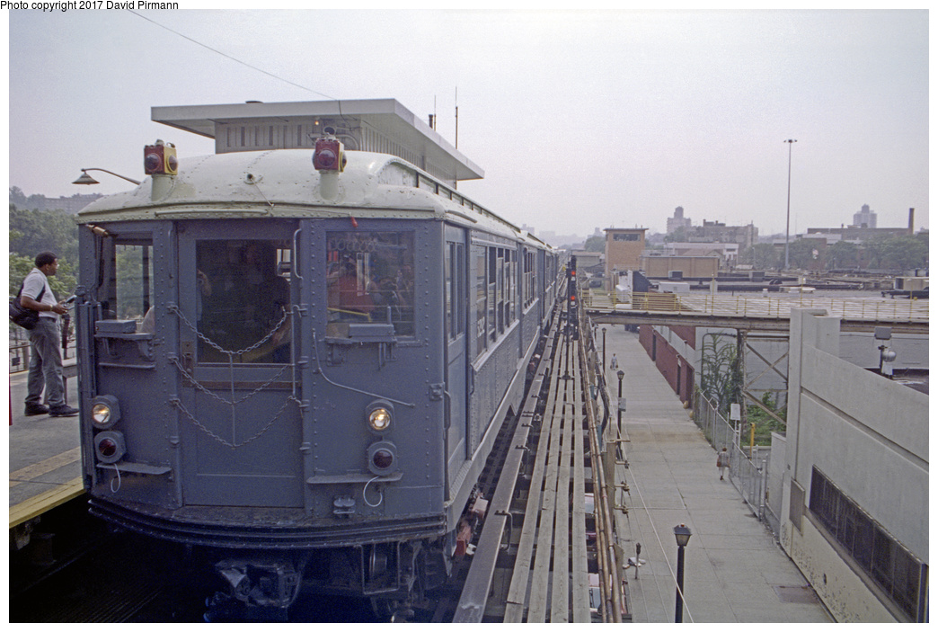 (345k, 1044x703)<br><b>Country:</b> United States<br><b>City:</b> New York<br><b>System:</b> New York City Transit<br><b>Line:</b> IRT West Side Line<br><b>Location:</b> 242nd Street/Van Cortlandt Park <br><b>Route:</b> Fan Trip<br><b>Car:</b> Low-V (Museum Train) 5292 <br><b>Photo by:</b> David Pirmann<br><b>Date:</b> 9/8/1996<br><b>Viewed (this week/total):</b> 1 / 2479