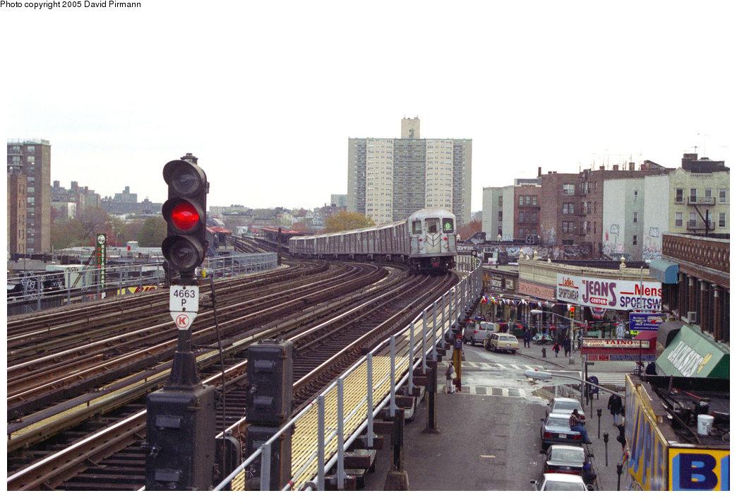 (209k, 1044x705)<br><b>Country:</b> United States<br><b>City:</b> New York<br><b>System:</b> New York City Transit<br><b>Line:</b> IRT Pelham Line<br><b>Location:</b> Elder Avenue <br><b>Route:</b> 6<br><b>Car:</b> R-62A (Bombardier, 1984-1987)   <br><b>Photo by:</b> David Pirmann<br><b>Date:</b> 11/18/1995<br><b>Viewed (this week/total):</b> 0 / 4890