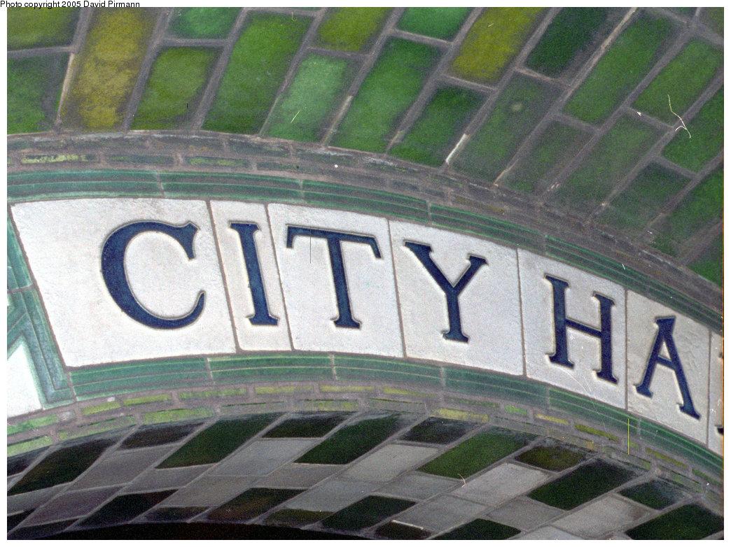 (251k, 1044x782)<br><b>Country:</b> United States<br><b>City:</b> New York<br><b>System:</b> New York City Transit<br><b>Line:</b> IRT East Side Line<br><b>Location:</b> City Hall <br><b>Photo by:</b> David Pirmann<br><b>Date:</b> 9/24/1995<br><b>Notes:</b> Detail of City Hall archway sign.<br><b>Viewed (this week/total):</b> 0 / 2138