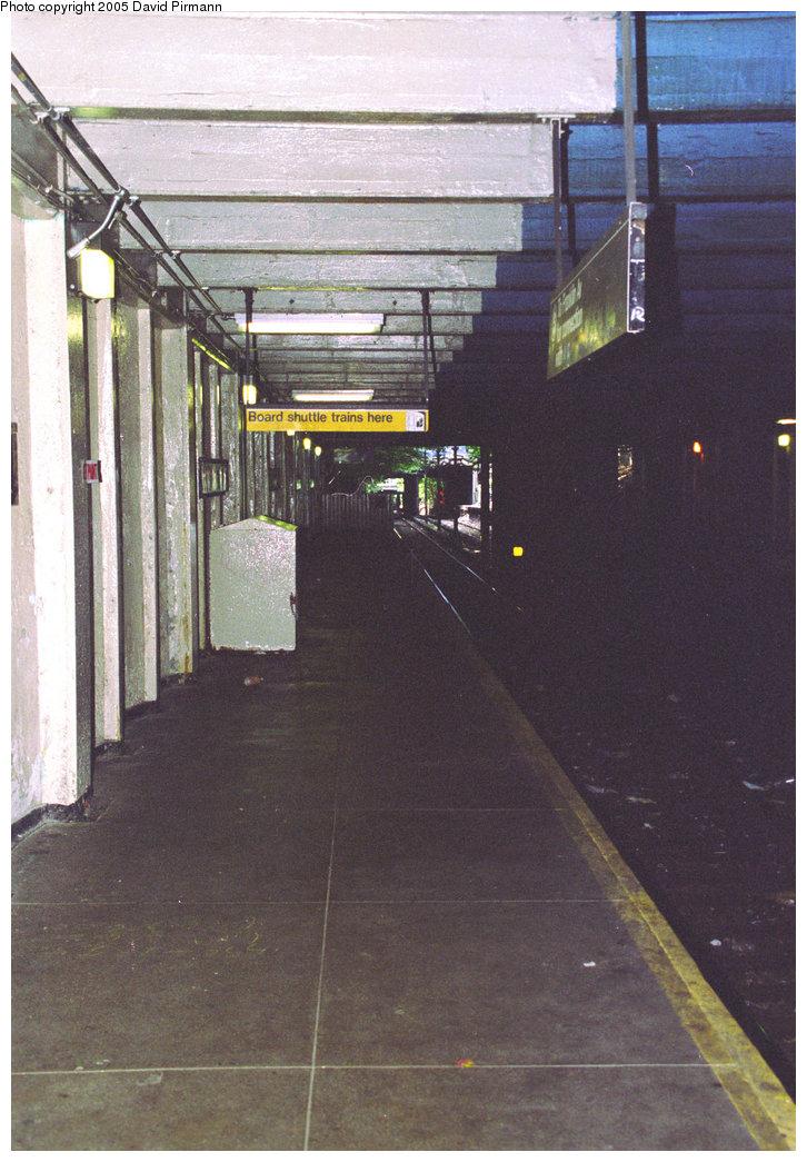 (213k, 726x1045)<br><b>Country:</b> United States<br><b>City:</b> New York<br><b>System:</b> New York City Transit<br><b>Line:</b> BMT Franklin<br><b>Location:</b> Botanic Garden <br><b>Photo by:</b> David Pirmann<br><b>Date:</b> 7/18/1998<br><b>Viewed (this week/total):</b> 1 / 3303