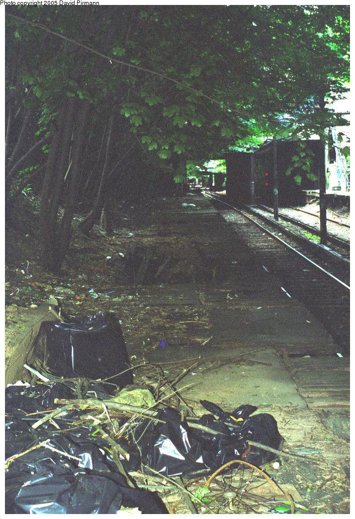 (298k, 714x1044)<br><b>Country:</b> United States<br><b>City:</b> New York<br><b>System:</b> New York City Transit<br><b>Line:</b> BMT Franklin<br><b>Location:</b> Botanic Garden <br><b>Photo by:</b> David Pirmann<br><b>Date:</b> 7/18/1998<br><b>Viewed (this week/total):</b> 0 / 2247