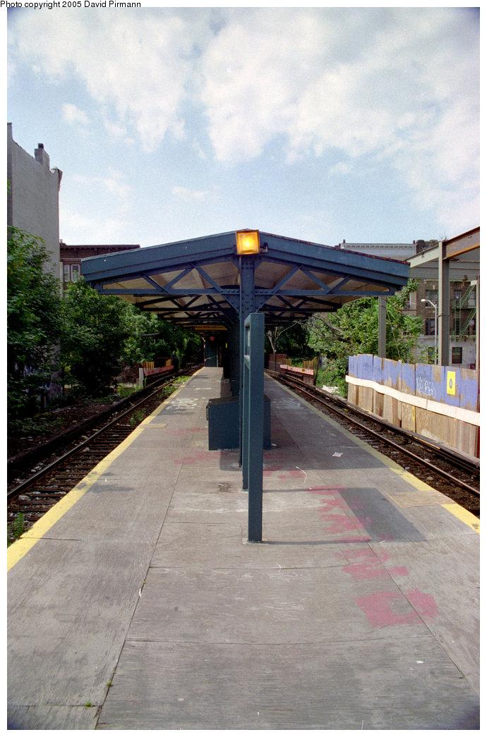 (193k, 690x1045)<br><b>Country:</b> United States<br><b>City:</b> New York<br><b>System:</b> New York City Transit<br><b>Line:</b> BMT Franklin<br><b>Location:</b> Park Place <br><b>Photo by:</b> David Pirmann<br><b>Date:</b> 7/18/1998<br><b>Viewed (this week/total):</b> 0 / 2891