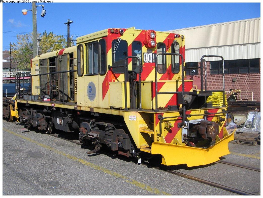 (211k, 1044x788)<br><b>Country:</b> United States<br><b>City:</b> New York<br><b>System:</b> New York City Transit<br><b>Location:</b> Westchester Yard<br><b>Car:</b> R-77E Locomotive  E01 <br><b>Photo by:</b> James Matthews<br><b>Date:</b> 11/2/2005<br><b>Viewed (this week/total):</b> 0 / 3834