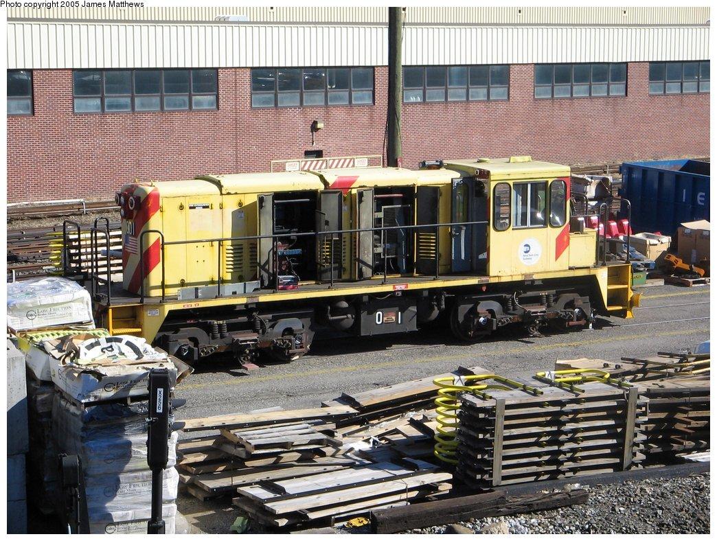 (249k, 1044x788)<br><b>Country:</b> United States<br><b>City:</b> New York<br><b>System:</b> New York City Transit<br><b>Location:</b> Westchester Yard<br><b>Car:</b> R-77E Locomotive  E01 <br><b>Photo by:</b> James Matthews<br><b>Date:</b> 11/2/2005<br><b>Viewed (this week/total):</b> 0 / 2787