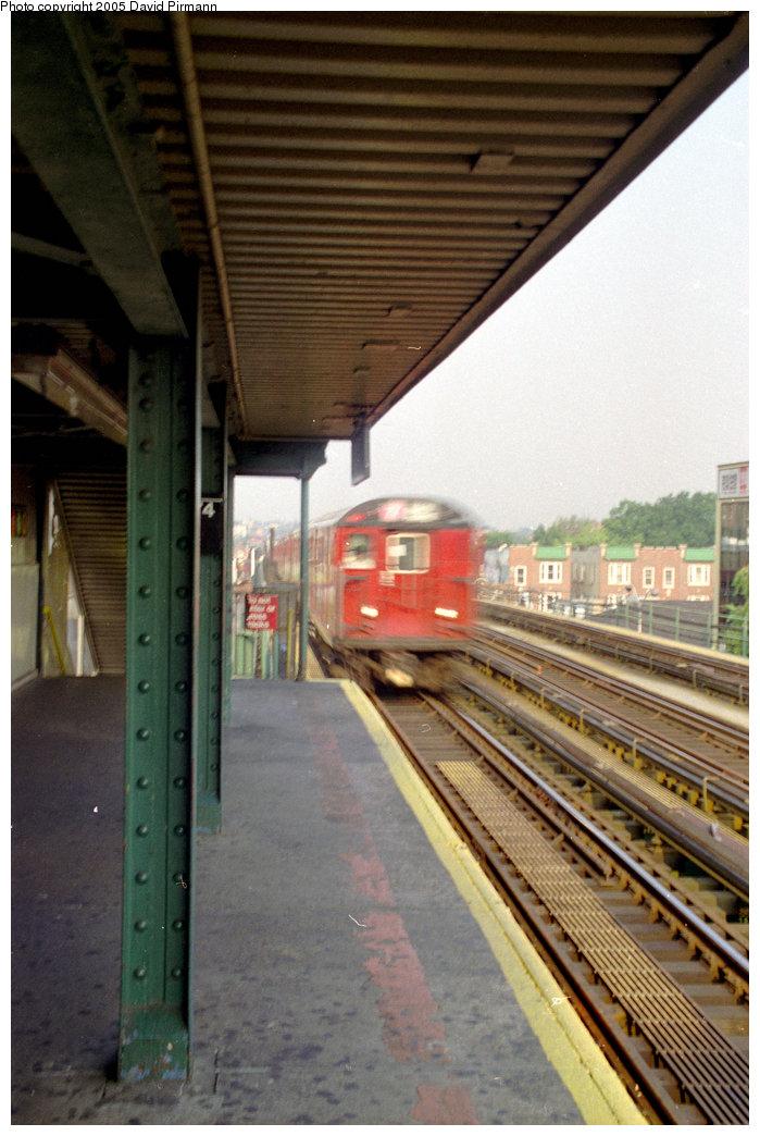 (193k, 699x1044)<br><b>Country:</b> United States<br><b>City:</b> New York<br><b>System:</b> New York City Transit<br><b>Line:</b> IRT Flushing Line<br><b>Location:</b> 74th Street/Broadway <br><b>Route:</b> 7<br><b>Car:</b> R-36 World's Fair (St. Louis, 1963-64)  <br><b>Photo by:</b> David Pirmann<br><b>Date:</b> 7/29/1998<br><b>Viewed (this week/total):</b> 0 / 2583