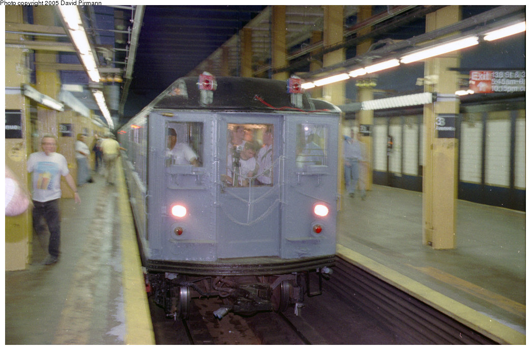 (179k, 1044x689)<br><b>Country:</b> United States<br><b>City:</b> New York<br><b>System:</b> New York City Transit<br><b>Line:</b> IRT Pelham Line<br><b>Location:</b> 3rd Avenue/138th Street <br><b>Route:</b> Fan Trip<br><b>Car:</b> Low-V (Museum Train) 5292 <br><b>Photo by:</b> David Pirmann<br><b>Date:</b> 9/13/1998<br><b>Viewed (this week/total):</b> 0 / 5027