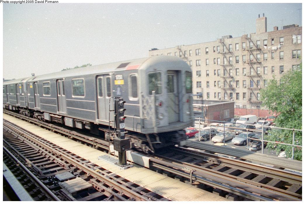 (228k, 1044x700)<br><b>Country:</b> United States<br><b>City:</b> New York<br><b>System:</b> New York City Transit<br><b>Line:</b> IRT Pelham Line<br><b>Location:</b> Westchester Square <br><b>Route:</b> 6<br><b>Car:</b> R-62A (Bombardier, 1984-1987)  1751 <br><b>Photo by:</b> David Pirmann<br><b>Date:</b> 9/13/1998<br><b>Viewed (this week/total):</b> 0 / 3365