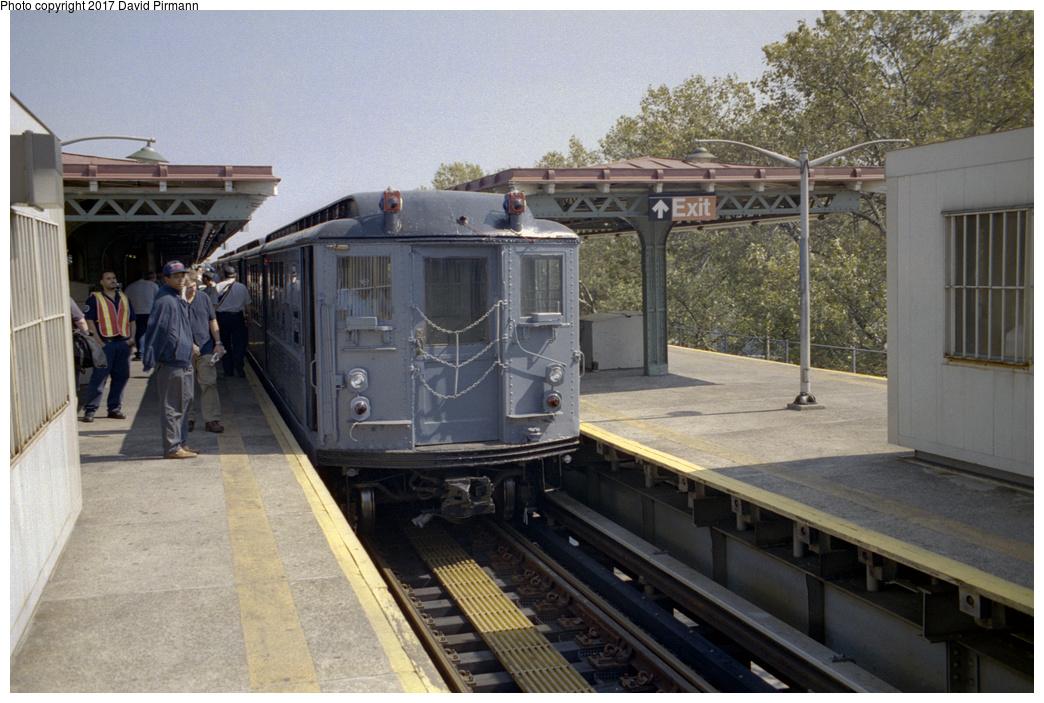(393k, 1044x703)<br><b>Country:</b> United States<br><b>City:</b> New York<br><b>System:</b> New York City Transit<br><b>Line:</b> IRT Pelham Line<br><b>Location:</b> East 177th Street/Parkchester <br><b>Route:</b> Fan Trip<br><b>Car:</b> Low-V (Museum Train) 5443 <br><b>Photo by:</b> David Pirmann<br><b>Date:</b> 9/13/1998<br><b>Viewed (this week/total):</b> 3 / 2056