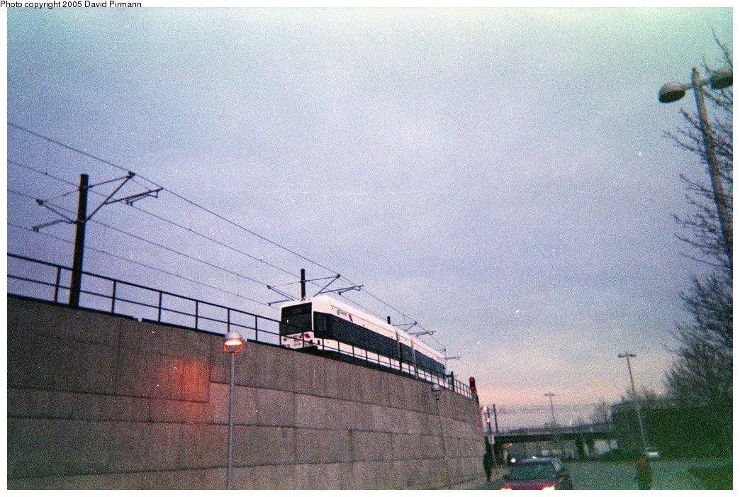 (292k, 1044x701)<br><b>Country:</b> United States<br><b>City:</b> Hoboken, NJ<br><b>System:</b> Hudson Bergen Light Rail<br><b>Location:</b> Between Hoboken Wye and Paterson Ave. <br><b>Photo by:</b> David Pirmann<br><b>Date:</b> 2/2004<br><b>Viewed (this week/total):</b> 0 / 1311