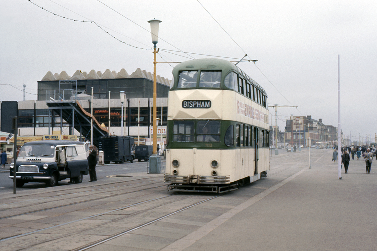 (364k, 1024x683)<br><b>Country:</b> United Kingdom<br><b>City:</b> Blackpool<br><b>System:</b> Blackpool Transport<br><b>Car:</b> Blackpool Balloon (English Electric, 1934-1935)  700 <br><b>Collection of:</b> David Pirmann/Frank Hicks<br><b>Notes:</b> Photo taken between 1968 and 1971.<br><b>Viewed (this week/total):</b> 0 / 1660