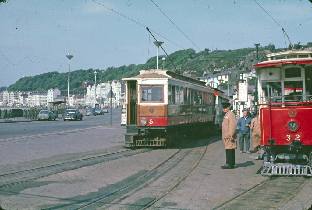 (246k, 1024x691)<br><b>Country:</b> Isle of Man (U.K.)<br><b>System:</b> Manx Electric Railway<br><b>Location:</b> Derby Castle/Douglas <br><b>Car:</b>  5/32 <br><b>Collection of:</b> David Pirmann/Frank Hicks<br><b>Notes:</b> 1894 G.F.Milnes-built tunnel saloon 5 with 1906 UEC crossbench car 32. Photo taken approx 1970.<br><b>Viewed (this week/total):</b> 1 / 1500