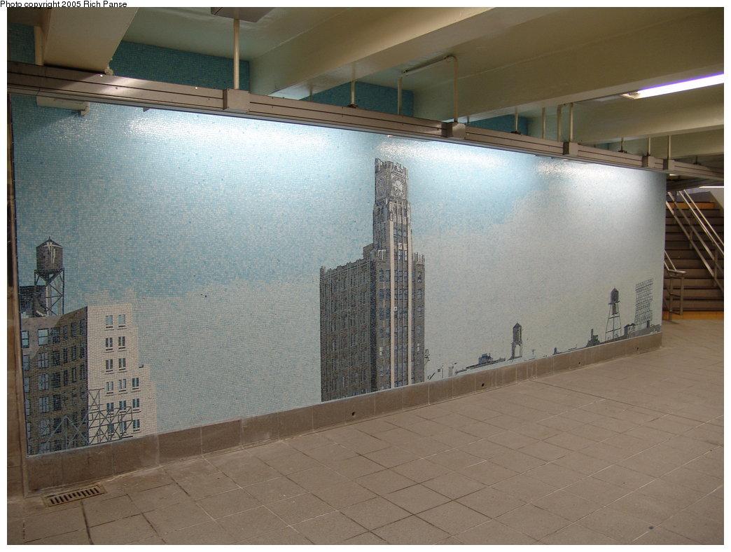 (167k, 1044x788)<br><b>Country:</b> United States<br><b>City:</b> New York<br><b>System:</b> New York City Transit<br><b>Line:</b> IND Queens Boulevard Line<br><b>Location:</b> Queens Plaza <br><b>Photo by:</b> Richard Panse<br><b>Date:</b> 11/12/2005<br><b>Artwork:</b> <i>Look Up Not Down</i>, Ellen Harvey (2005).<br><b>Viewed (this week/total):</b> 1 / 3638