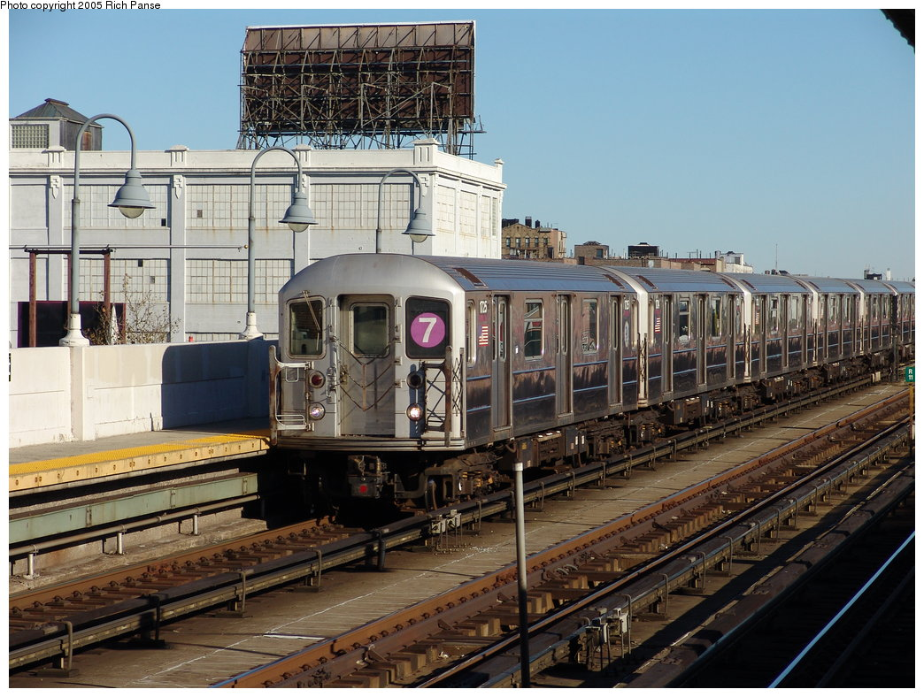 (223k, 1044x788)<br><b>Country:</b> United States<br><b>City:</b> New York<br><b>System:</b> New York City Transit<br><b>Line:</b> IRT Flushing Line<br><b>Location:</b> 33rd Street/Rawson Street <br><b>Route:</b> 7<br><b>Car:</b> R-62A (Bombardier, 1984-1987)  1725 <br><b>Photo by:</b> Richard Panse<br><b>Date:</b> 11/14/2005<br><b>Viewed (this week/total):</b> 2 / 2601