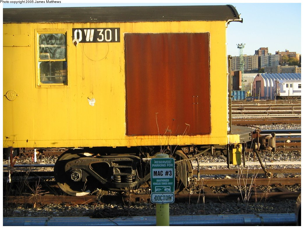(187k, 1044x788)<br><b>Country:</b> United States<br><b>City:</b> New York<br><b>System:</b> New York City Transit<br><b>Location:</b> 207th Street Yard<br><b>Route:</b> Work Service<br><b>Car:</b> R-56 Weld Cars  301 <br><b>Photo by:</b> James Matthews<br><b>Date:</b> 11/18/2005<br><b>Viewed (this week/total):</b> 1 / 2880