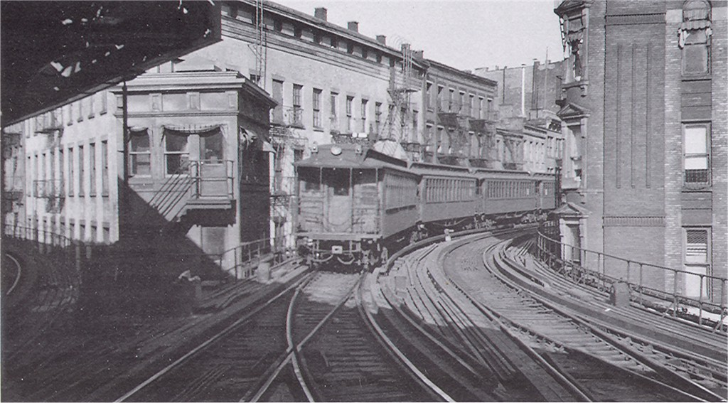 (176k, 1024x567)<br><b>Country:</b> United States<br><b>City:</b> New York<br><b>System:</b> New York City Transit<br><b>Line:</b> 3rd Avenue El<br><b>Location:</b> Chatham Square <br><b>Car:</b> Manhattan El  <br><b>Photo by:</b> George Votava<br><b>Collection of:</b> Joe Testagrose<br><b>Date:</b> 3/20/1940<br><b>Viewed (this week/total):</b> 5 / 6195
