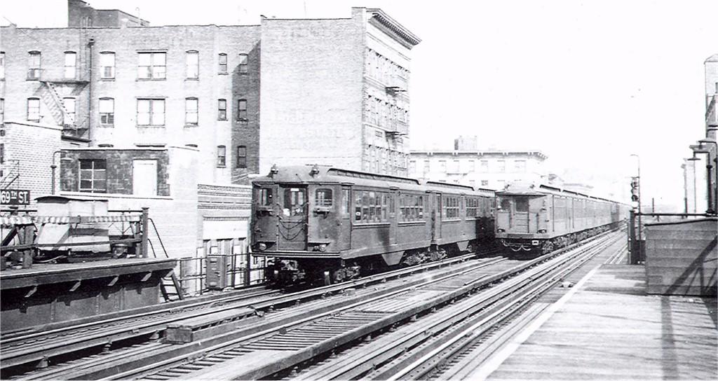 (173k, 1024x544)<br><b>Country:</b> United States<br><b>City:</b> New York<br><b>System:</b> New York City Transit<br><b>Line:</b> 3rd Avenue El<br><b>Location:</b> 169th Street <br><b>Car:</b> Low-V 4738 <br><b>Photo by:</b> Ed Watson/Arthur Lonto Collection<br><b>Collection of:</b> Joe Testagrose<br><b>Viewed (this week/total):</b> 0 / 2882