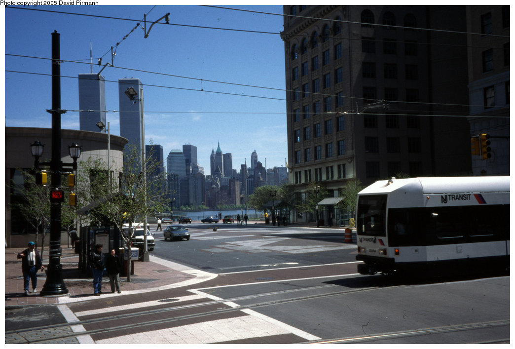 (168k, 1044x707)<br><b>Country:</b> United States<br><b>City:</b> Jersey City, NJ<br><b>System:</b> Hudson Bergen Light Rail<br><b>Location:</b> Exchange Place <br><b>Car:</b> NJT-HBLR LRV (Kinki-Sharyo, 1998-99)  2018 <br><b>Photo by:</b> David Pirmann<br><b>Date:</b> 4/29/2000<br><b>Viewed (this week/total):</b> 2 / 5647