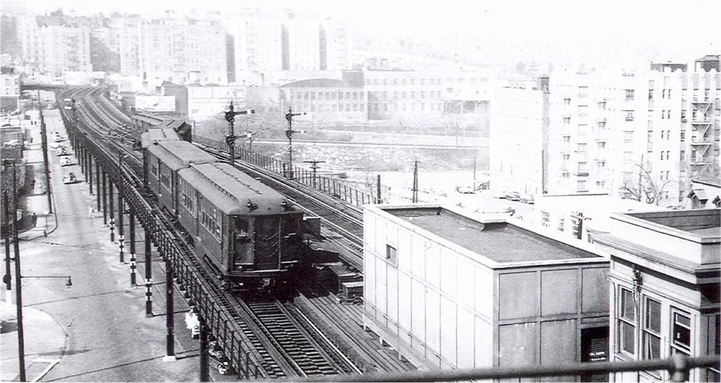 (174k, 1024x545)<br><b>Country:</b> United States<br><b>City:</b> New York<br><b>System:</b> New York City Transit<br><b>Line:</b> 3rd Avenue El<br><b>Location:</b> Gun Hill Road <br><b>Car:</b> Low-V  <br><b>Photo by:</b> Ed Watson/Arthur Lonto Collection<br><b>Collection of:</b> Joe Testagrose<br><b>Date:</b> 2/22/1957<br><b>Viewed (this week/total):</b> 0 / 4016
