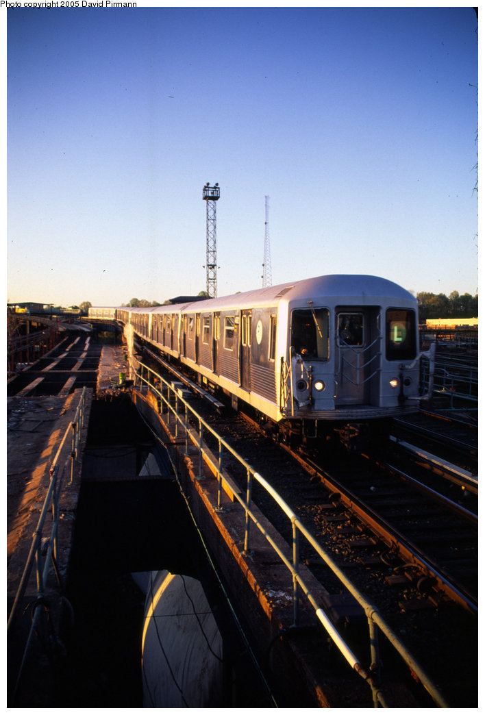 (161k, 708x1044)<br><b>Country:</b> United States<br><b>City:</b> New York<br><b>System:</b> New York City Transit<br><b>Line:</b> BMT Canarsie Line<br><b>Location:</b> Atlantic Avenue <br><b>Route:</b> L<br><b>Car:</b> R-42 (St. Louis, 1969-1970)  4821 <br><b>Photo by:</b> David Pirmann<br><b>Date:</b> 4/30/1999<br><b>Viewed (this week/total):</b> 0 / 2645