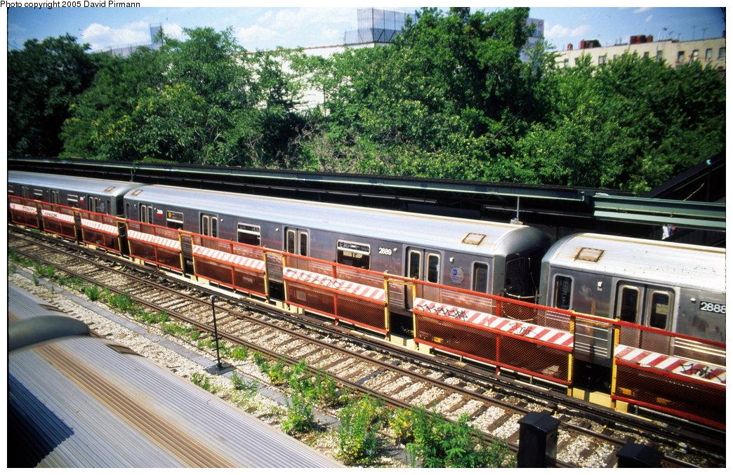 (318k, 1044x677)<br><b>Country:</b> United States<br><b>City:</b> New York<br><b>System:</b> New York City Transit<br><b>Line:</b> BMT Sea Beach Line<br><b>Location:</b> 8th Avenue <br><b>Route:</b> N<br><b>Car:</b> R-68 (Westinghouse-Amrail, 1986-1988)  2889 <br><b>Photo by:</b> David Pirmann<br><b>Date:</b> 7/8/1999<br><b>Viewed (this week/total):</b> 1 / 3826