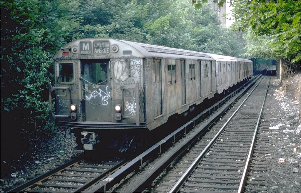 (273k, 1024x657)<br><b>Country:</b> United States<br><b>City:</b> New York<br><b>System:</b> New York City Transit<br><b>Line:</b> BMT Franklin<br><b>Location:</b> Park Place <br><b>Route:</b> Franklin Shuttle<br><b>Car:</b> R-27 (St. Louis, 1960)  8189 <br><b>Photo by:</b> Steve Zabel<br><b>Collection of:</b> Joe Testagrose<br><b>Date:</b> 6/9/1982<br><b>Viewed (this week/total):</b> 2 / 3618