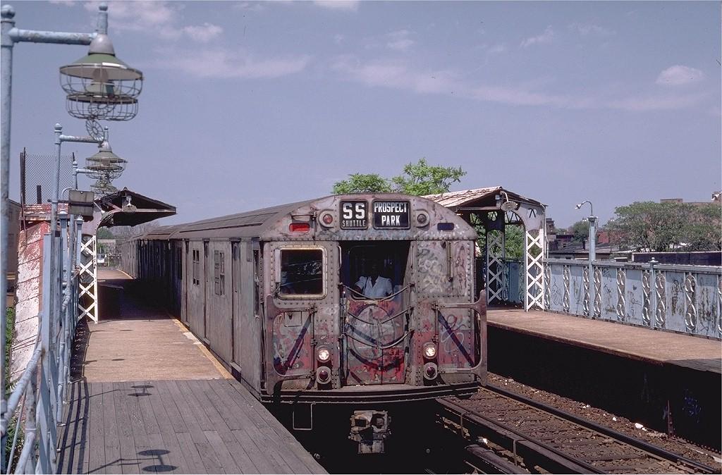 (219k, 1024x674)<br><b>Country:</b> United States<br><b>City:</b> New York<br><b>System:</b> New York City Transit<br><b>Line:</b> BMT Franklin<br><b>Location:</b> Dean Street <br><b>Route:</b> Franklin Shuttle<br><b>Car:</b> R-30 (St. Louis, 1961) 8353 <br><b>Photo by:</b> Steve Zabel<br><b>Collection of:</b> Joe Testagrose<br><b>Date:</b> 7/10/1982<br><b>Viewed (this week/total):</b> 8 / 9469