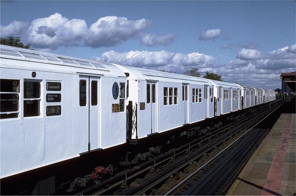 (214k, 1024x680)<br><b>Country:</b> United States<br><b>City:</b> New York<br><b>System:</b> New York City Transit<br><b>Line:</b> IRT Pelham Line<br><b>Location:</b> Westchester Square <br><b>Route:</b> 6<br><b>Car:</b> R-33 Main Line (St. Louis, 1962-63) 9115 <br><b>Photo by:</b> Steve Zabel<br><b>Collection of:</b> Joe Testagrose<br><b>Date:</b> 10/16/1982<br><b>Viewed (this week/total):</b> 0 / 2279