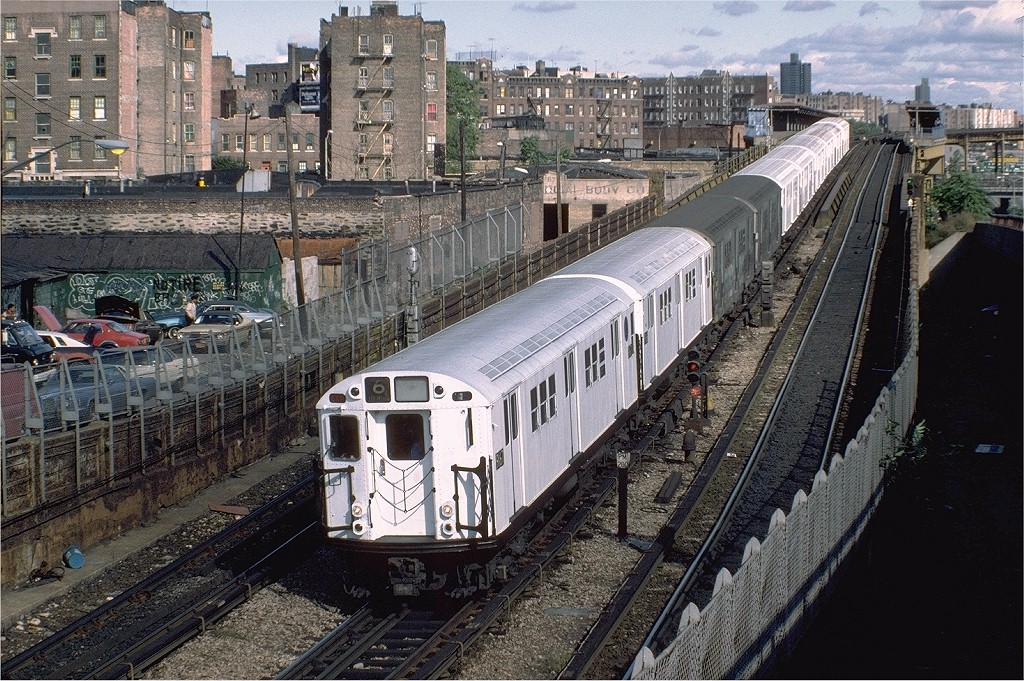 (291k, 1024x681)<br><b>Country:</b> United States<br><b>City:</b> New York<br><b>System:</b> New York City Transit<br><b>Line:</b> IRT Pelham Line<br><b>Location:</b> Whitlock Avenue <br><b>Route:</b> 6<br><b>Car:</b> R-33 Main Line (St. Louis, 1962-63) 9167 <br><b>Photo by:</b> Steve Zabel<br><b>Collection of:</b> Joe Testagrose<br><b>Date:</b> 10/16/1982<br><b>Viewed (this week/total):</b> 0 / 4619