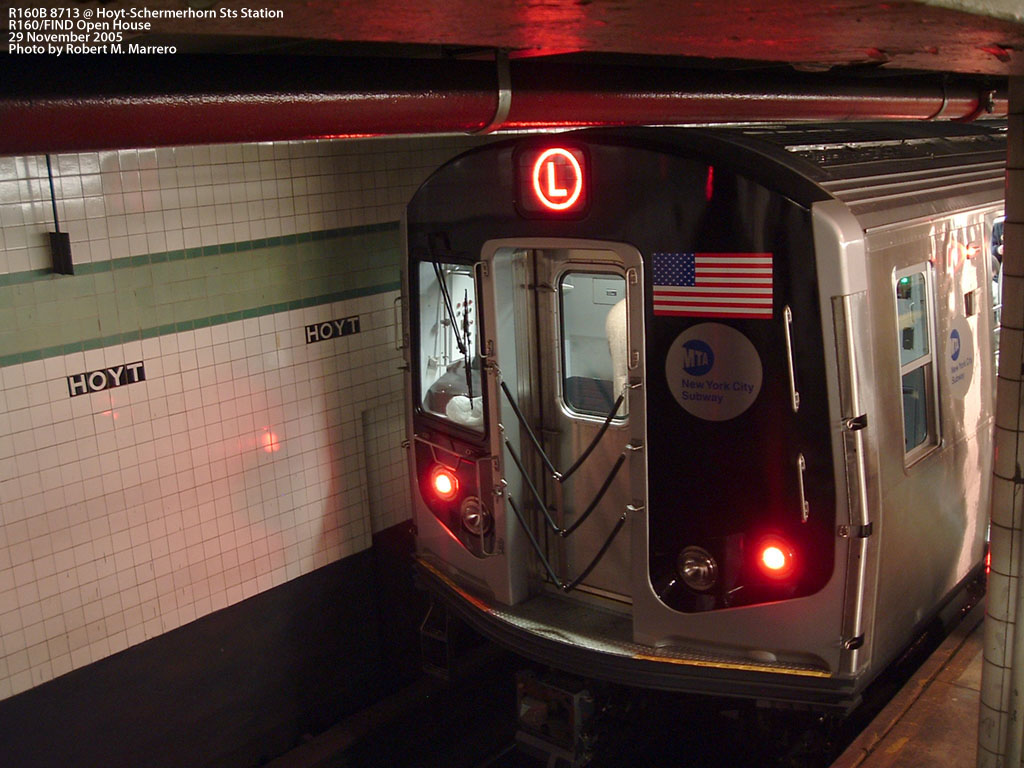 (189k, 1024x768)<br><b>Country:</b> United States<br><b>City:</b> New York<br><b>System:</b> New York City Transit<br><b>Line:</b> IND Fulton Street Line<br><b>Location:</b> Hoyt-Schermerhorn Street <br><b>Car:</b> R-160B (Kawasaki, 2005-2008)  8713 <br><b>Photo by:</b> Robert Marrero<br><b>Date:</b> 11/29/2005<br><b>Notes:</b> R160B open house.<br><b>Viewed (this week/total):</b> 5 / 6224