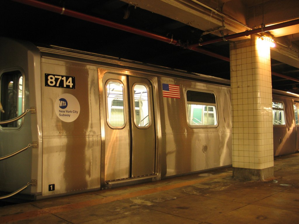 (123k, 1024x768)<br><b>Country:</b> United States<br><b>City:</b> New York<br><b>System:</b> New York City Transit<br><b>Line:</b> IND Fulton Street Line<br><b>Location:</b> Hoyt-Schermerhorn Street <br><b>Car:</b> R-160B (Kawasaki, 2005-2008)  8714 <br><b>Photo by:</b> Brian Weinberg<br><b>Date:</b> 11/29/2005<br><b>Notes:</b> Train was on display for the public evaluation of FIND (Flexible Information and Notice Display).<br><b>Viewed (this week/total):</b> 0 / 7746