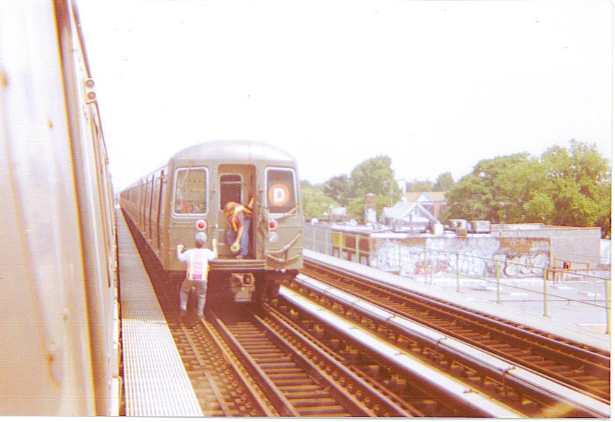 (107k, 884x607)<br><b>Country:</b> United States<br><b>City:</b> New York<br><b>System:</b> New York City Transit<br><b>Line:</b> BMT Culver Line<br><b>Location:</b> Avenue N <br><b>Car:</b> R-68/R-68A Series (Number Unknown)  <br><b>Photo by:</b> Michael Hodurski<br><b>Date:</b> 8/10/2004<br><b>Notes:</b> Performing emergency brake tests south of Avenue N on the Culver line.<br><b>Viewed (this week/total):</b> 5 / 5508