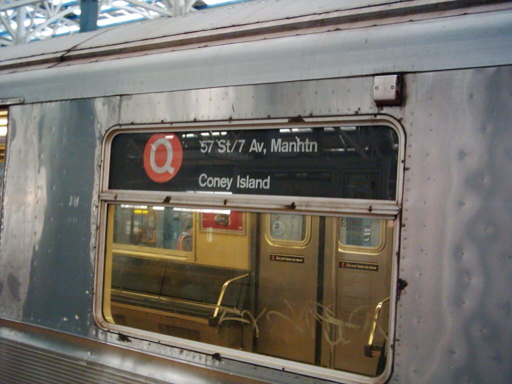 (104k, 1024x768)<br><b>Country:</b> United States<br><b>City:</b> New York<br><b>System:</b> New York City Transit<br><b>Location:</b> Coney Island/Stillwell Avenue<br><b>Route:</b> Q<br><b>Car:</b> R-40 (St. Louis, 1968)   <br><b>Photo by:</b> Michael Hodurski<br><b>Date:</b> 12/11/2005<br><b>Viewed (this week/total):</b> 0 / 4740