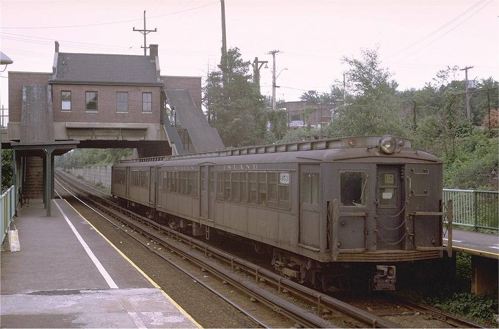 (223k, 1024x675)<br><b>Country:</b> United States<br><b>City:</b> New York<br><b>System:</b> New York City Transit<br><b>Line:</b> SIRT<br><b>Location:</b> Annadale <br><b>Car:</b> SIRT ME-1 (Motor) 353 <br><b>Photo by:</b> Steve Zabel<br><b>Collection of:</b> Joe Testagrose<br><b>Date:</b> 7/2/1972<br><b>Viewed (this week/total):</b> 0 / 3634