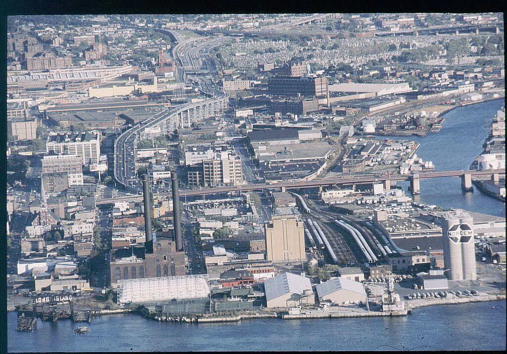(257k, 1024x716)<br><b>Country:</b> United States<br><b>City:</b> New York<br><b>System:</b> Long Island Rail Road<br><b>Line:</b> LIRR Long Island City<br><b>Location:</b> Long Island City <br><b>Photo by:</b> Steve Hoskins<br><b>Notes:</b> 1970s<br><b>Viewed (this week/total):</b> 0 / 2771