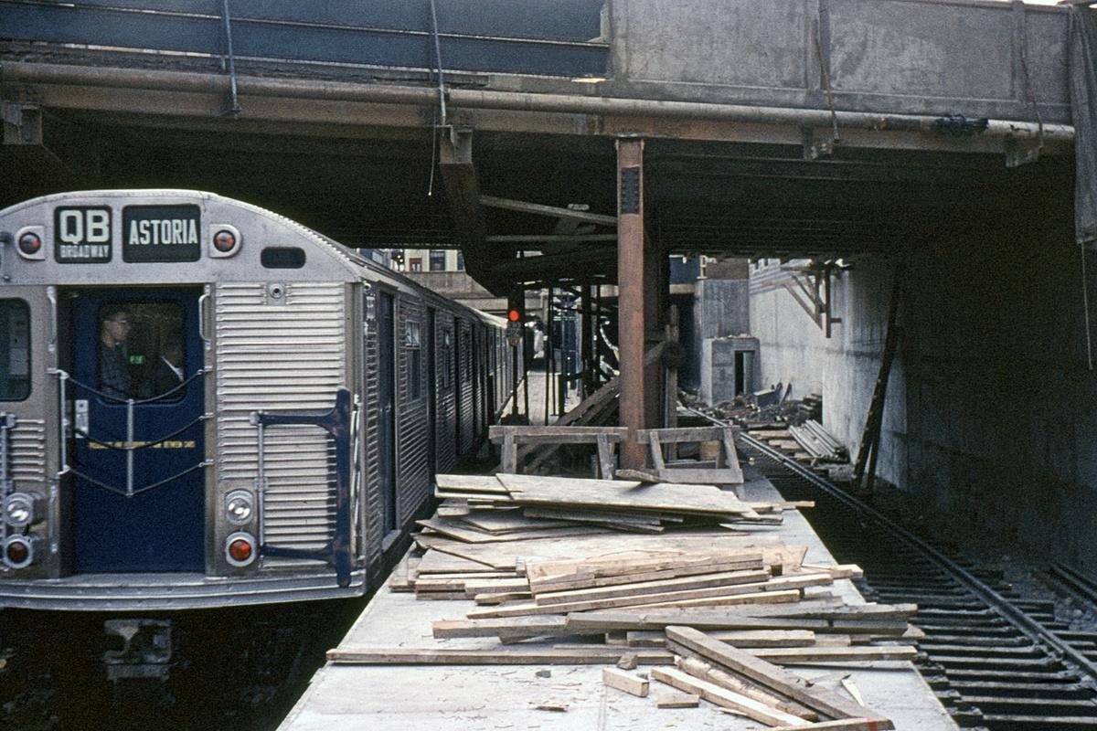 (401k, 1044x727)<br><b>Country:</b> United States<br><b>City:</b> New York<br><b>System:</b> New York City Transit<br><b>Line:</b> BMT Brighton Line<br><b>Location:</b> Newkirk Plaza (fmrly Newkirk Ave.) <br><b>Route:</b> QB<br><b>Car:</b> R-32 (Budd, 1964)   <br><b>Collection of:</b> David Pirmann<br><b>Date:</b> 9/26/1964<br><b>Viewed (this week/total):</b> 1 / 6225