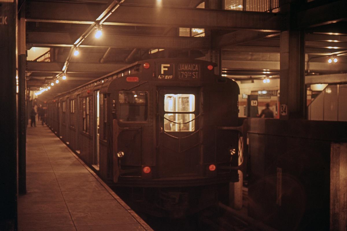 (208k, 1024x682)<br><b>Country:</b> United States<br><b>City:</b> New York<br><b>System:</b> New York City Transit<br><b>Line:</b> IND 6th Avenue Line<br><b>Location:</b> 34th Street/Herald Square <br><b>Route:</b> F<br><b>Car:</b> R-1/R-9 Series   <br><b>Collection of:</b> David Pirmann<br><b>Date:</b> 3/19/1966<br><b>Viewed (this week/total):</b> 0 / 4985