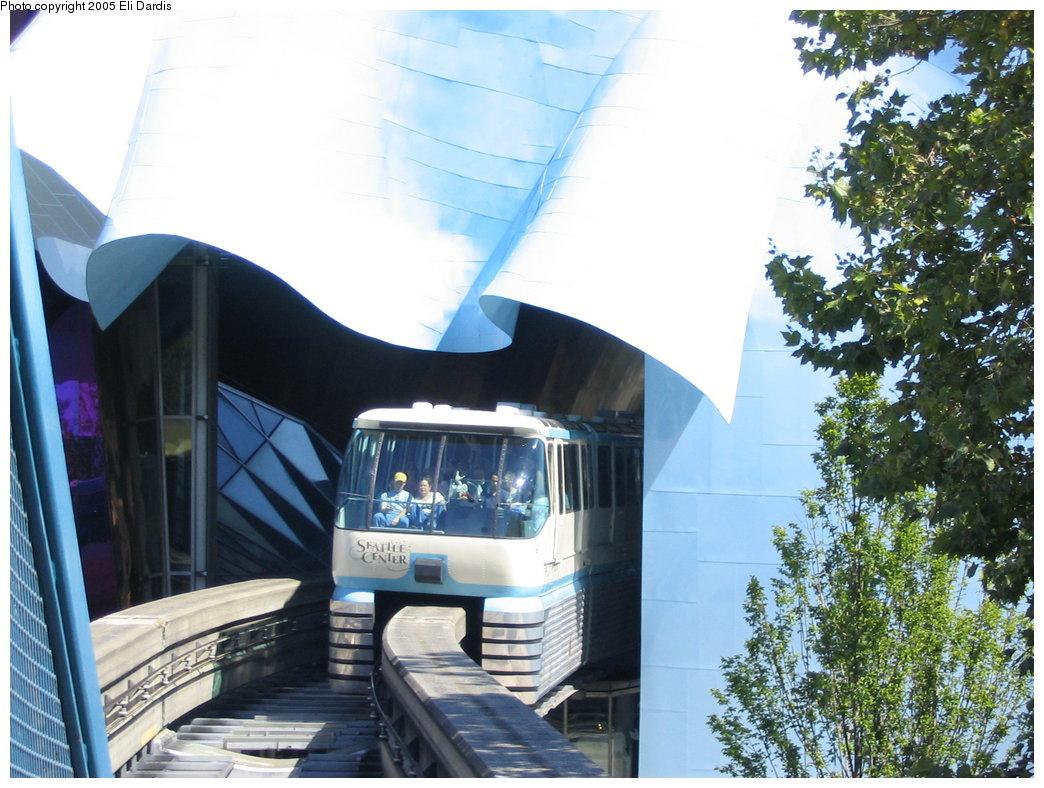(198k, 1044x788)<br><b>Country:</b> United States<br><b>City:</b> Seattle, WA<br><b>System:</b> Seattle Center Monorail<br><b>Location:</b> Seattle Center Station <br><b>Photo by:</b> Eli Dardis<br><b>Date:</b> 8/19/2005<br><b>Viewed (this week/total):</b> 0 / 2317