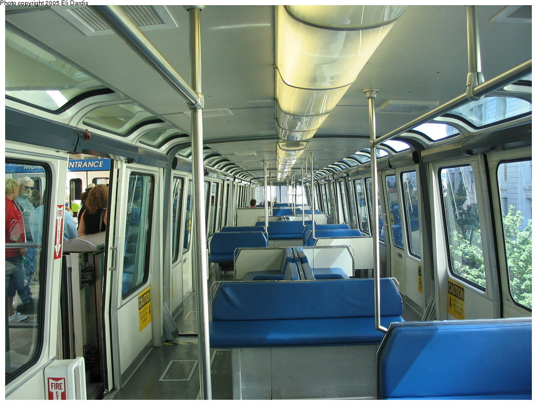 (200k, 1044x788)<br><b>Country:</b> United States<br><b>City:</b> Seattle, WA<br><b>System:</b> Seattle Center Monorail<br><b>Location:</b> Seattle Center Station <br><b>Photo by:</b> Eli Dardis<br><b>Date:</b> 8/19/2005<br><b>Viewed (this week/total):</b> 2 / 3388