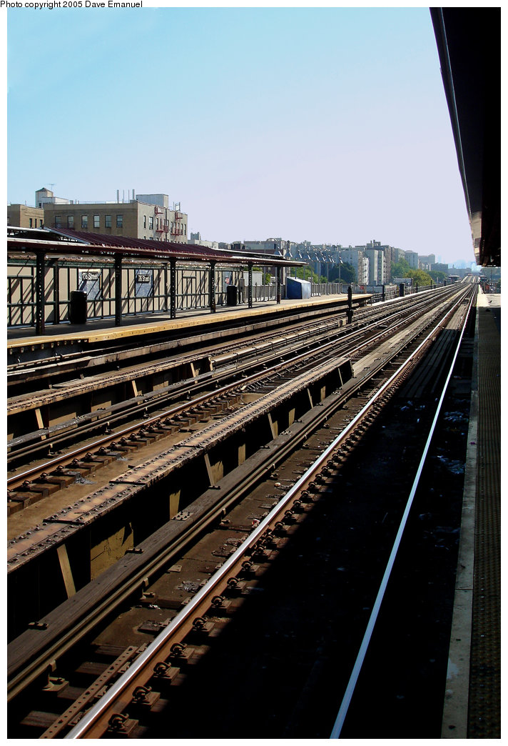 (220k, 712x1044)<br><b>Country:</b> United States<br><b>City:</b> New York<br><b>System:</b> New York City Transit<br><b>Line:</b> IRT Woodlawn Line<br><b>Location:</b> 176th Street <br><b>Photo by:</b> Dave Emanuel<br><b>Date:</b> 10/1/2005<br><b>Viewed (this week/total):</b> 2 / 2258