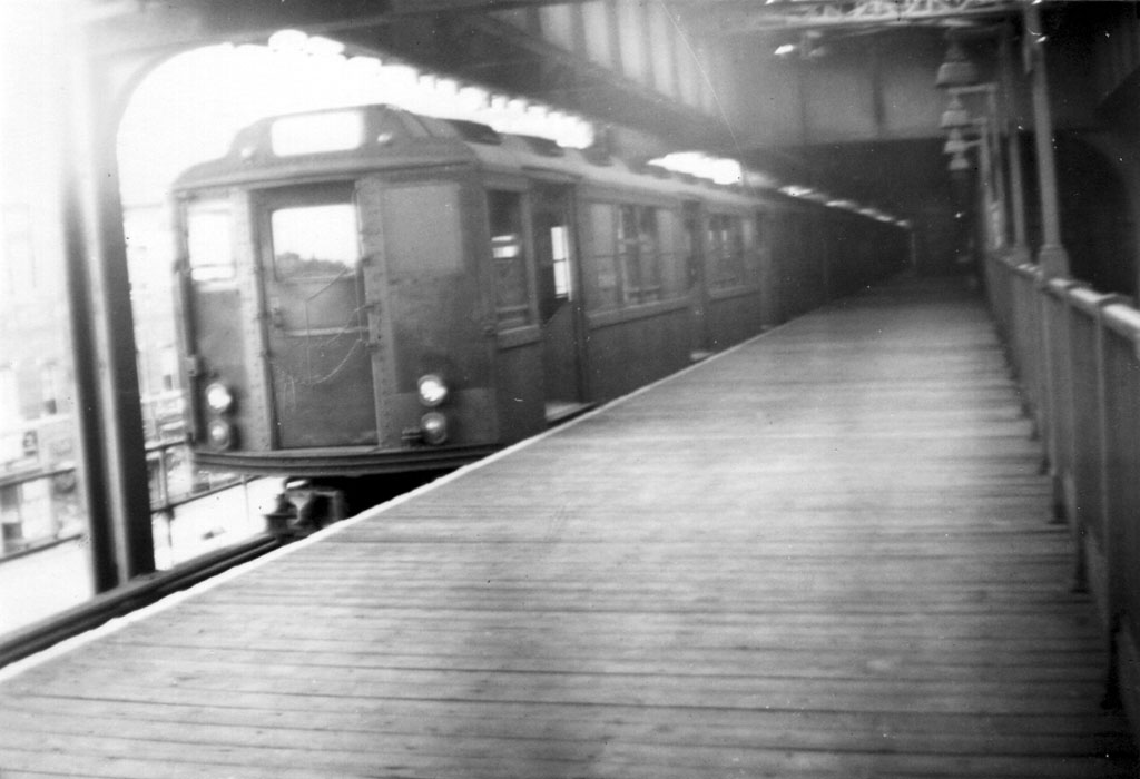 (100k, 1024x700)<br><b>Country:</b> United States<br><b>City:</b> New York<br><b>System:</b> New York City Transit<br><b>Line:</b> 3rd Avenue El<br><b>Location:</b> Gun Hill Road <br><b>Car:</b> Low-V Worlds Fair  <br><b>Photo by:</b> Herbert P. Maruska<br><b>Date:</b> 4/1964<br><b>Viewed (this week/total):</b> 0 / 2519
